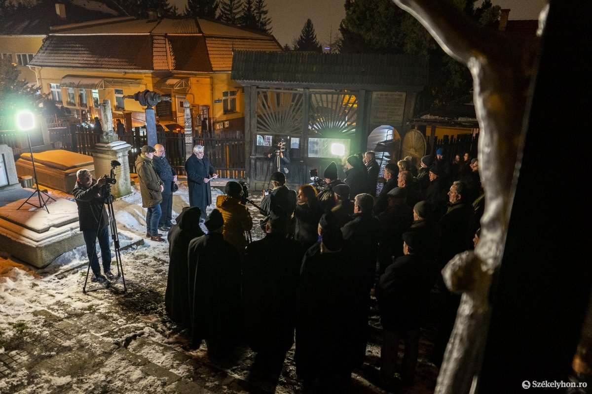 https://media.szekelyhon.ro/pictures/vasarhely/aktualis/2020/12_januar/o_don_kanyari_emlekezes_04_hv.jpg