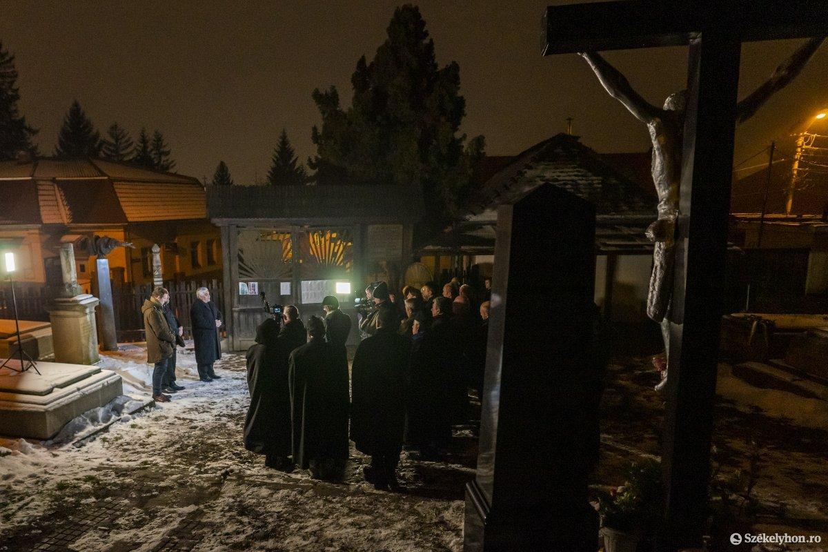 https://media.szekelyhon.ro/pictures/vasarhely/aktualis/2020/12_januar/o_don_kanyari_emlekezes_11_hv.jpg
