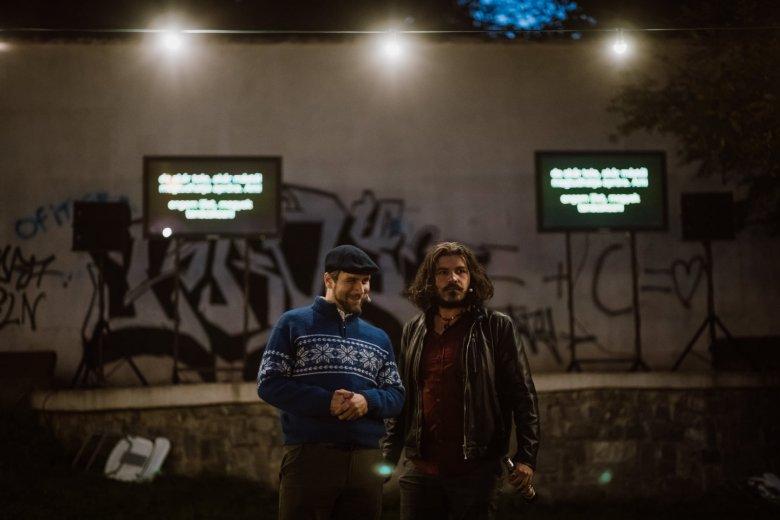 Kétnyelvű színházi előadásoka tartanak Marosvásárhely lakónegyedeiben