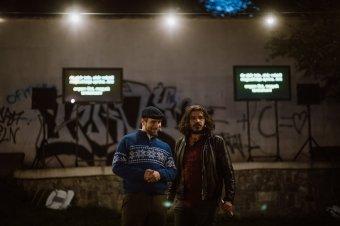 Kétnyelvű színházi előadásokat tartanak Marosvásárhely lakónegyedeiben