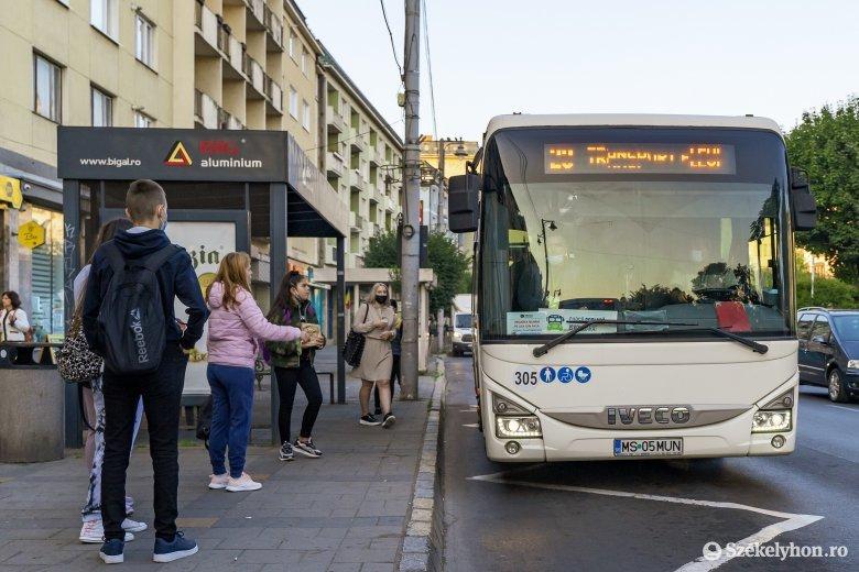 """Ingyenes iskolabuszokkal a forgalmi dugók ellen – Erdélyi illetékesek szerint már """"csak"""" járművek kellenek"""