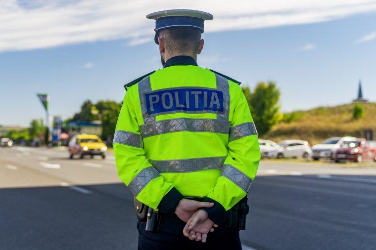 A hétvégén több mint kétezer sofőr jogosítványát vonták be a rendőrök