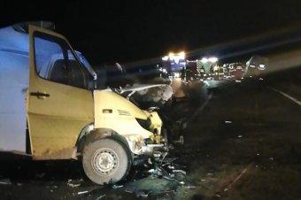 Kisteherautók ütköztek Maros megyében, két személy életét vesztette