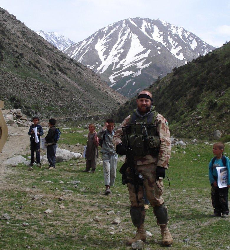 Megtapasztalt mélyszegénység – Kelemen József magyar katonaként szolgált fél éven át Afganisztánban