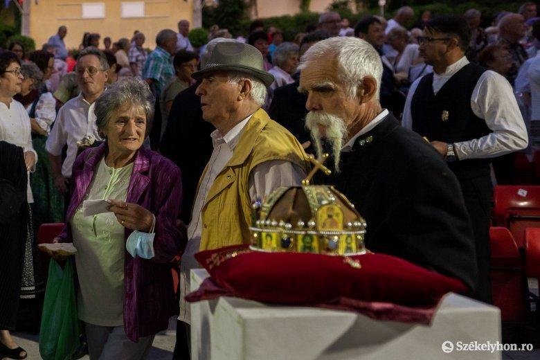 Az államalapítás ünnepe Marosvásárhelyen: a közösen elfogyasztott kenyér az összetartozást erősíti