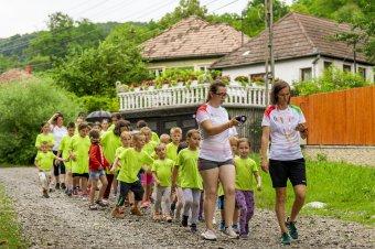 Célba ért a jótékonysági futás: hatszáz kilométert futottak a szórványkollégium támogatására
