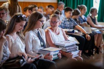 Történelmi vetélkedő résztvevőit díjazták Szovátán