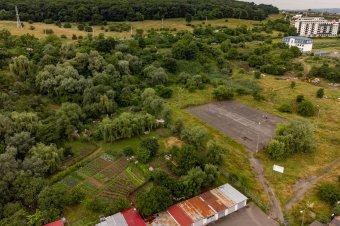 Bontással kezdték a park építését: Marosvásárhely legnagyobb szabadidős létesítménye épül