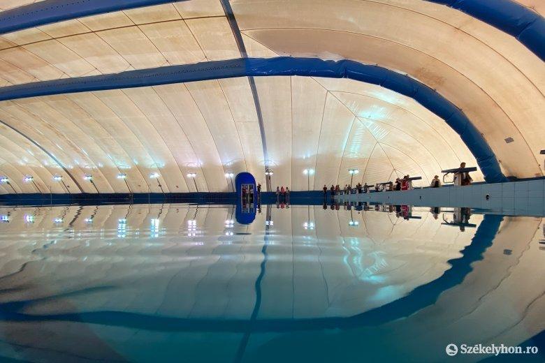 Egyelőre a sportolók használhatják a marosvásárhelyi sátortetős medencét