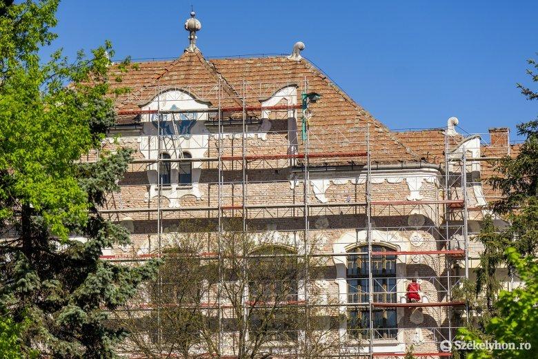Felújítás alatt a Bolyai Farkas Gimnázium főépületének negyven százaléka