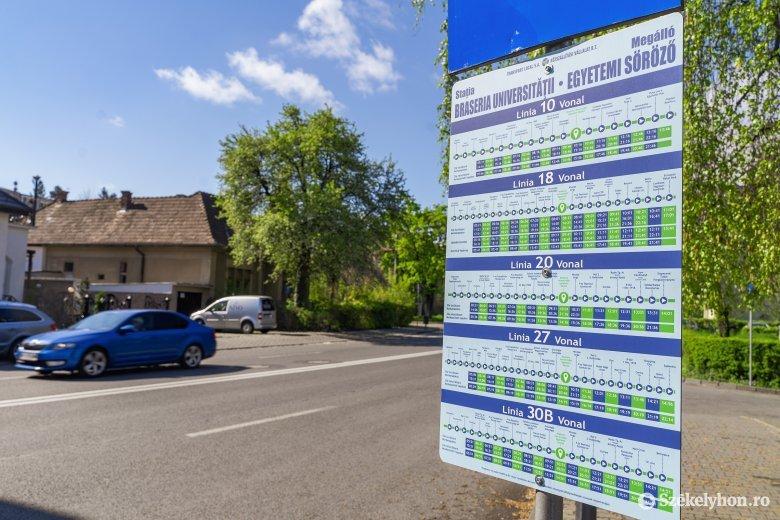 """Csehókról elnevezett buszmegállók Marosvásárhelyen – a szocializmus emlékét """"ápolják"""" a tömegközlekedés megállóhelyei"""