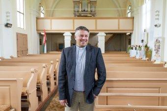Életében legyen valaki katolikus – Nagyernyében jártunk Kémenes Lóránt atyánál