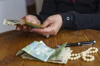 A kisebb nyugdíjak nagyobb mértékben nőnek majd a munkaügyi miniszter ígérete szerint, de nem sietik el