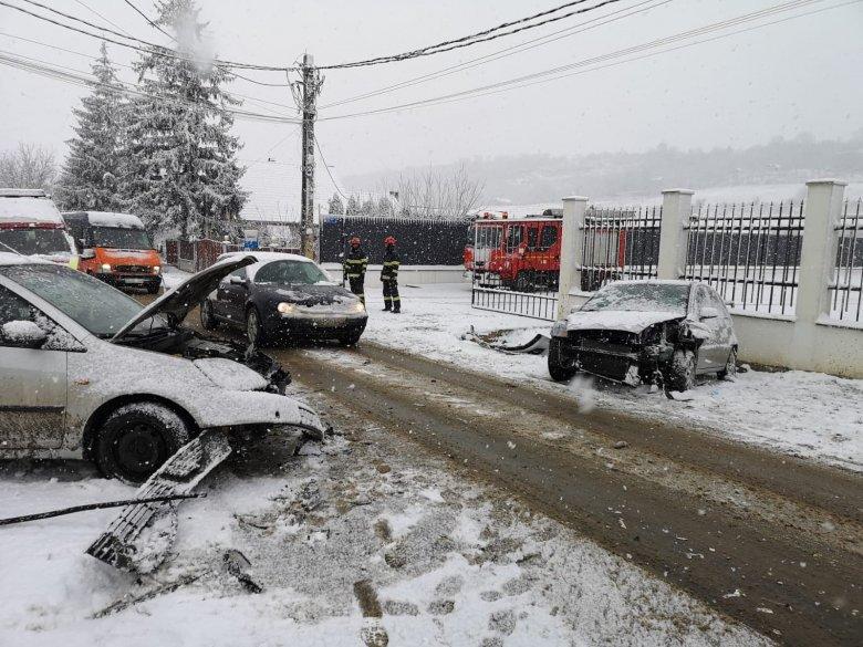 Reggeli balesetek sorozata Maros megyében