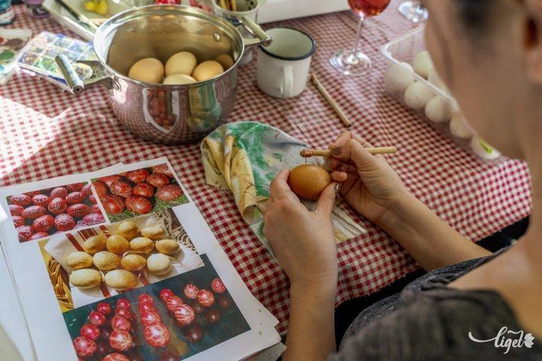 Húsvéti előkészületek online és kalákában: az ünnephez kapcsolódó népszokásokat és a tojásíró hagyományokat is ismertetik