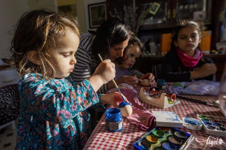 Szeretettel húsvétra: családi tojásírás járványmentes mesékkel