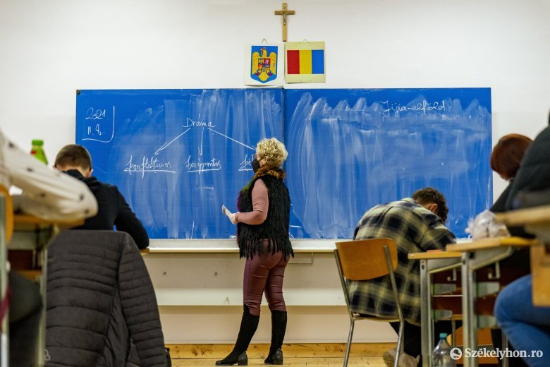 Cîmpeanu: az oktatásban dolgozók közül több mint 150 ezren megkapták a koronavírus elleni oltást, a szám azonban stagnál