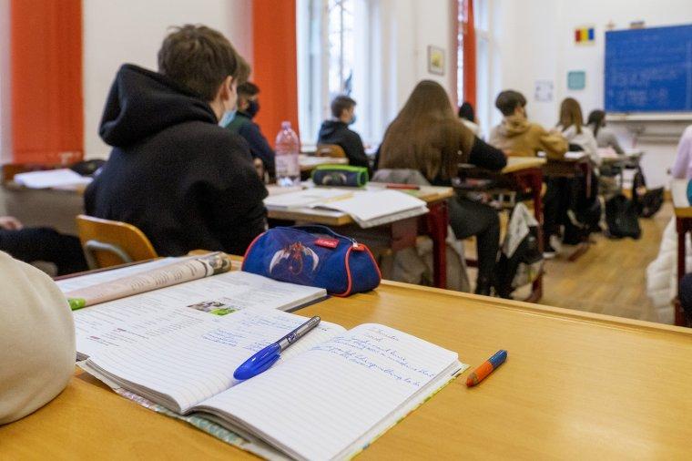 Várható volt: az iskolák újranyitása óta leggyorsabban a diákok körében terjed a koronavírus