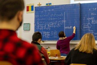 Felmérés: a romániai lakosság csupán egyharmada elégedett az oktatási rendszerrel