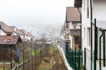 Koronkai összefogás a tömbházmentes faluért – Mozgalom indult a Marosvásárhely melletti községbe tervezett panelek ellen
