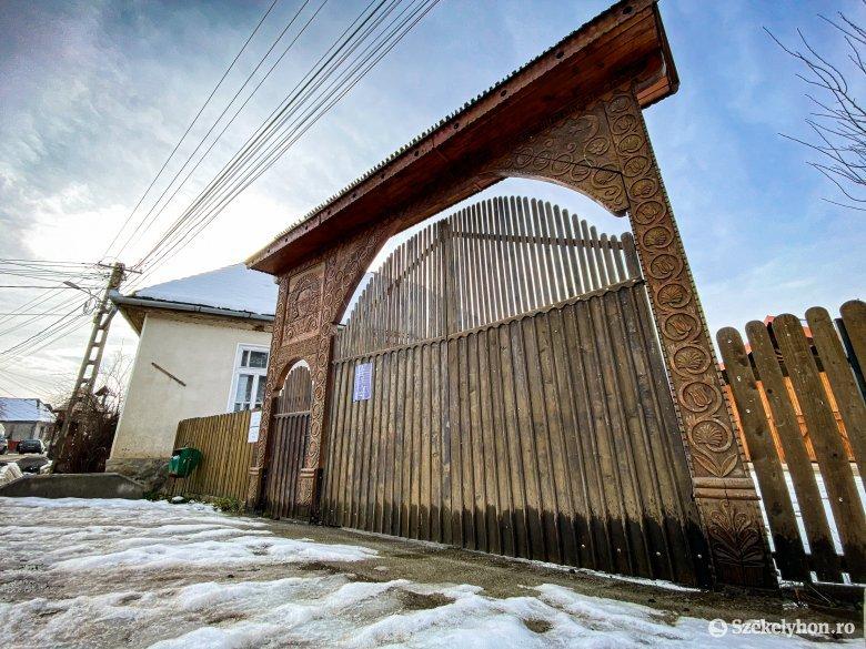 Kezdődhet a mikházi székely kapu felújítása