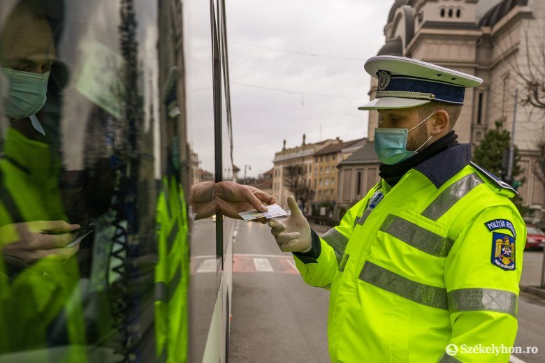 Iskolabuszokat ellenőriztek, bírságokat róttak ki a rendőrök Háromszéken