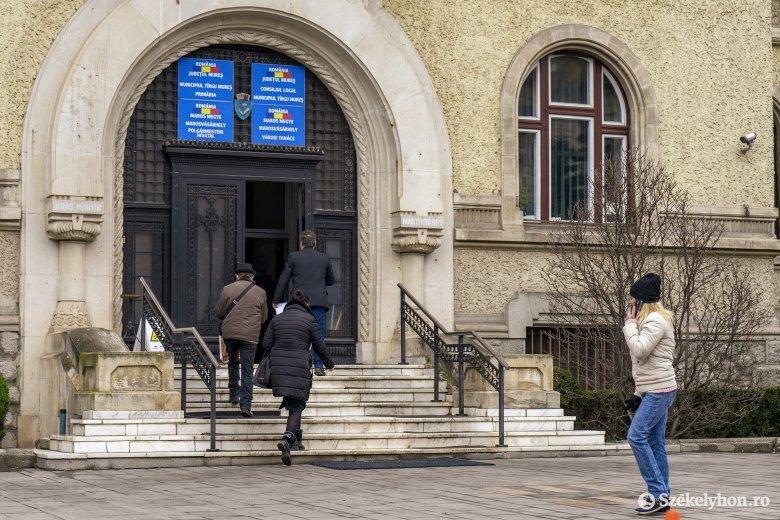 Több mint háromszáz személytől kíván megválni a marosvásárhelyi városháza