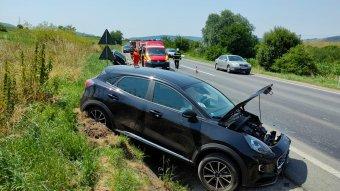 Két autó ütközött Fehéregyházán, egy személy súlyosan megsérült