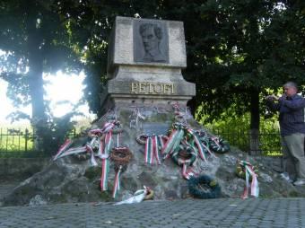 Petőfiről is román–magyar megállapodás kellene – Régészek kutatják a költő elestének helyét az 1849-es fehéregyházi csatatéren